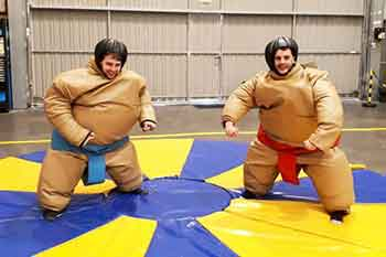 Pruebas de humor amarillo lucha sumo